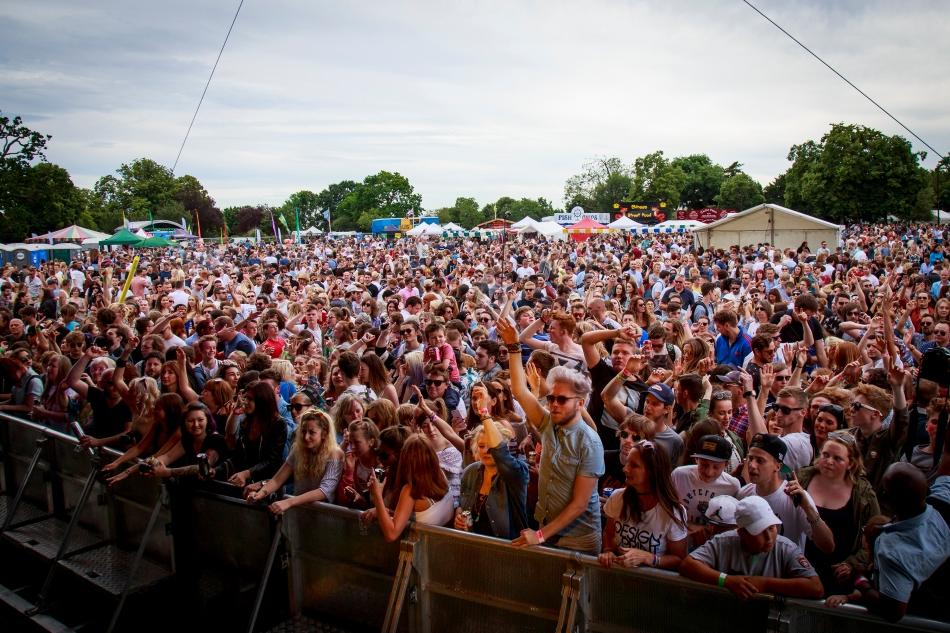 Crowd_VG2016_photo_by_ClarissaDebenham0032 copy.jpg